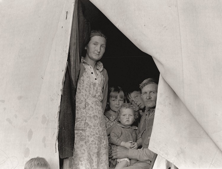 Photo by Dorothea Lange, The History Place