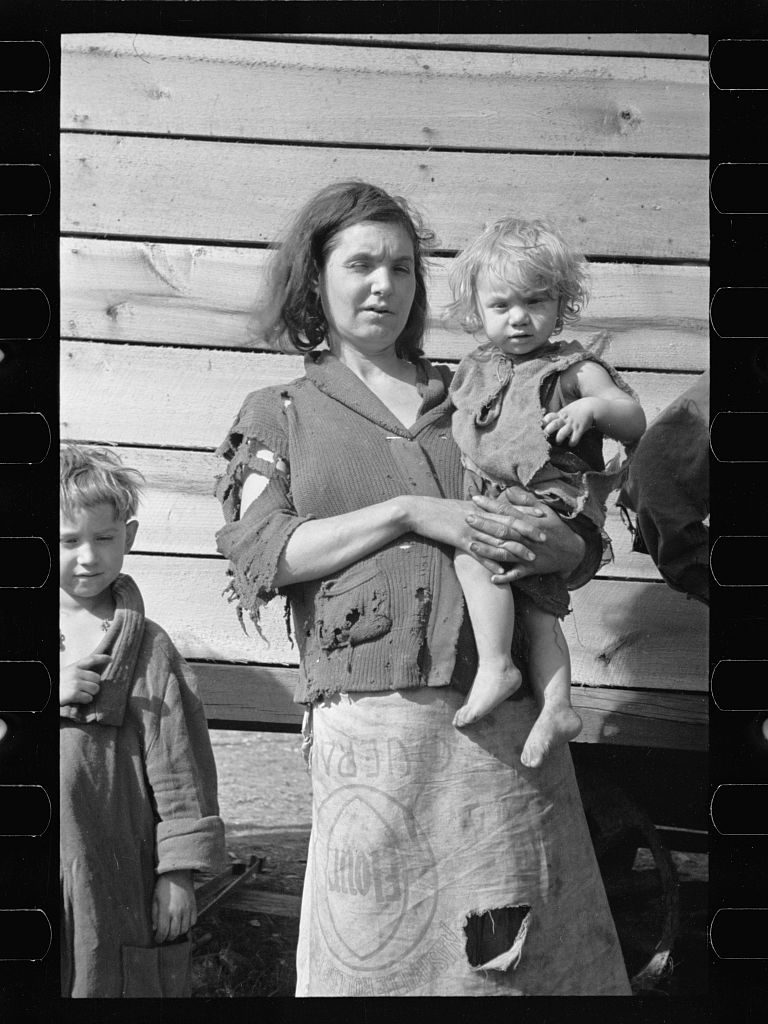 Mother and Baby of Family of Nine, Carl Mydans, Library of Congress